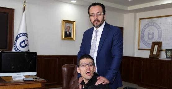 ADÜ Rektörü Bircan engelli öğrenciye verdiği sözü tuttu