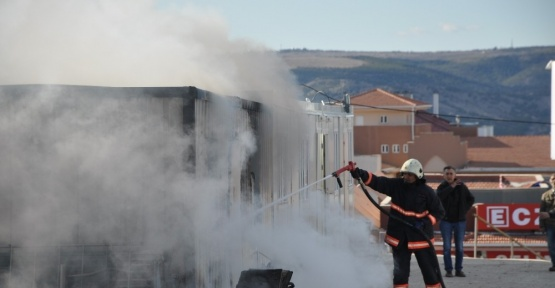 Aile Yaşam Merkezi şantiyesinde korkutan yangın
