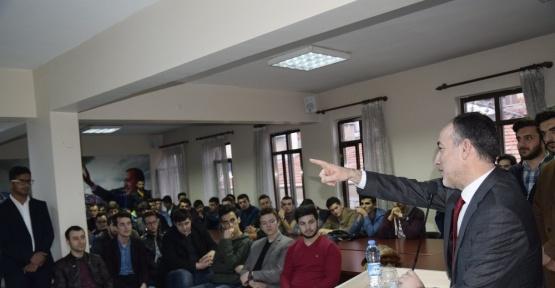 AK Parti İl Başkanı Akçay gençlerle buluştu