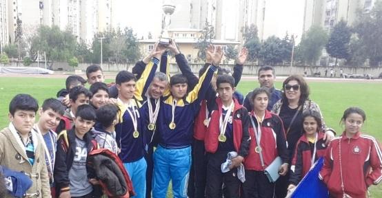 Akşemseddin İşitme Engelliler Ortaokulu erkek takımı Türkiye şampiyonu oldu