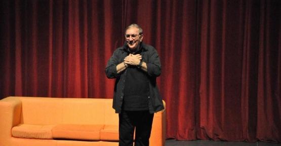 """Ali Poyrazoğlu """"Ödünç Yaşamlar"""" oyunu ile Gebzelilerle buluştu"""