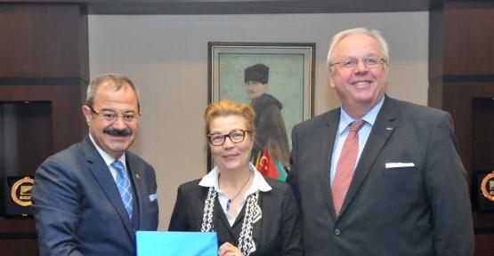 Almanya Büyükelçisi Martın Erdmann GSO'yu ziyaret etti