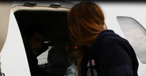 Ambulans uçak 1 günlük bebek için havalandı