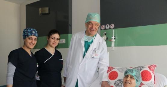 Ameliyat için İzmir'den Gaziantep Medicalpark Hastanesine geldi