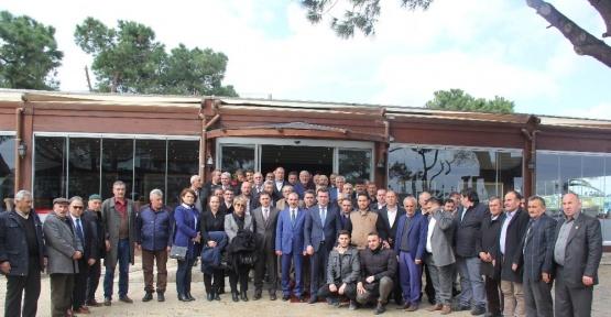 Atakum'da milletvekili ve başkanlar muhtarlarla buluştu