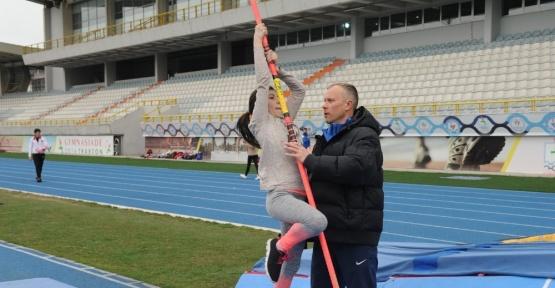 Atletizm Federasyonu Sırıkla Atlama Antrenörü Alexander Simakhin Trabzon'da yetenek avına çıktı