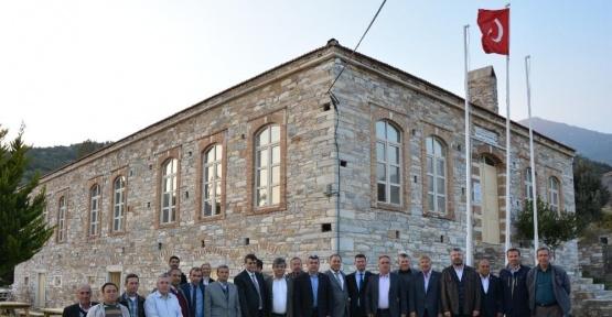 Aydın ziraat odaları Söke'nin tarihi Doğanbey köyünde toplandı