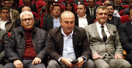 """Bakan Çavuşoğlu: """"Fransa bu süreçte farklı olduğunu gösterdi"""""""