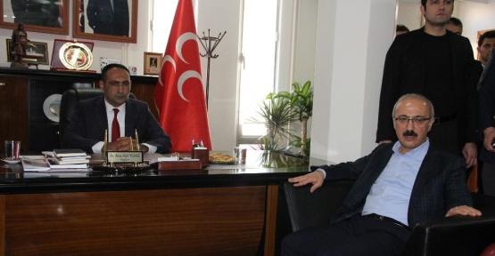 Bakan Elvan, MHP Mersin İl Başkanlığını ziyaret etti