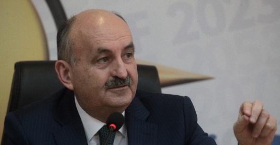 """Bakan Müezzinoğlu: """"2 yılda emekli olmak diye bir şey yok"""""""