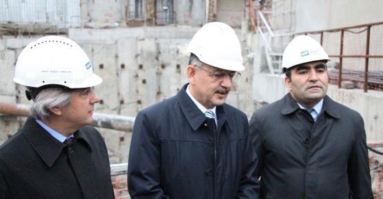 Bakan Özhaseki, Tarlabaşı'nda incelemelerde bulundu