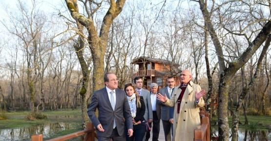 Bakan Yardımcısı Alpay Kuş Cenneti'ne hayran kaldı