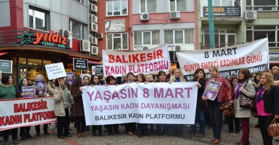 Balıkesirli kadınlardan 8 Mart yürüyüşü