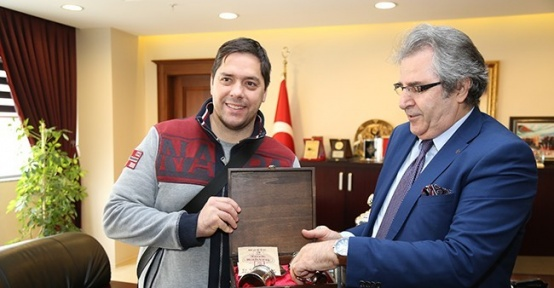 Banvit, Türkiye Kupasını görücüye çıkardı