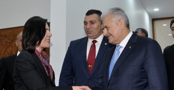 Başbakan Yıldırım, KKTC Cumhuriyet Meclisi Başkanı Siber ile bir araya geldi