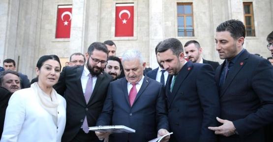 Başbakan Yıldırım'dan 'Vatan Millet Evet'e destek