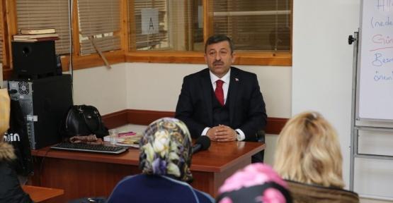Başkan Karabacak, velilere yeni anayasa ve partili cumhurbaşkanlığı sistemini anlattı