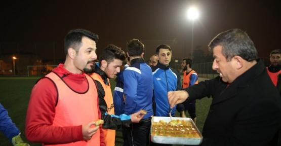 Başkan Karabacak'tan amatör spora yerinde destek, kocaeli haberleri