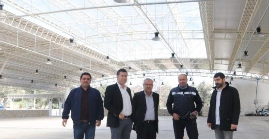 Başkan Kocadon, Bitez yeni pazar yerini gezdi