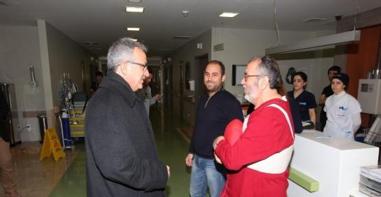 Başkan Köşker'den, Muhtar Özcan'a geçmiş olsun ziyareti