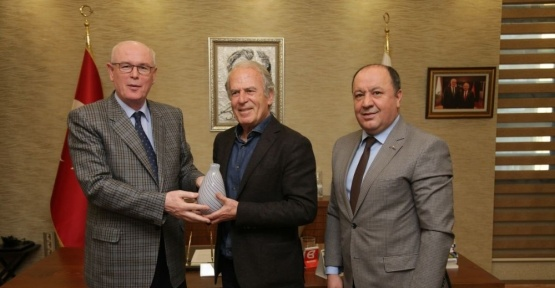 """Başkan Kurt: """"Mustafa Denizli'nin şampiyonluğa katkısı büyük olacak"""""""
