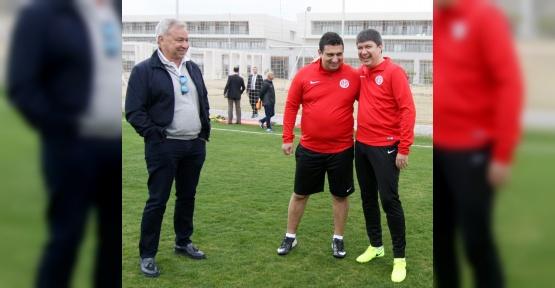 Başkan Türel, yeni tesislerde hünerlerini sergiledi