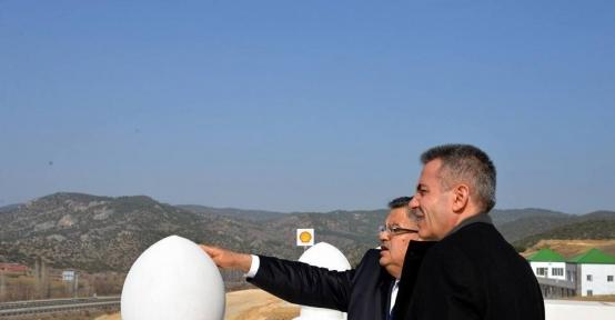 Başkan Yağcı ve Vali Elban, yapımı devam eden yeni otogar binasında incelemelerde bulundu