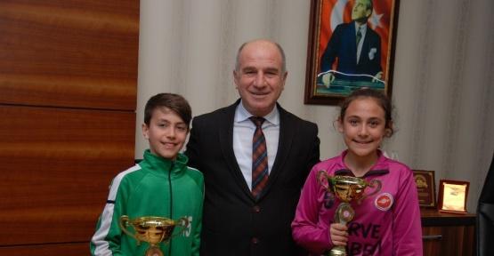 Başkan Yardımcısı Taş, Uluğbey Ortaokulu öğrencilerini ağırladı