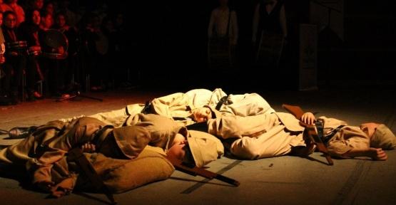 Başkent'te çocuklar Çanakkale Zaferi'ni coşkuyla andı
