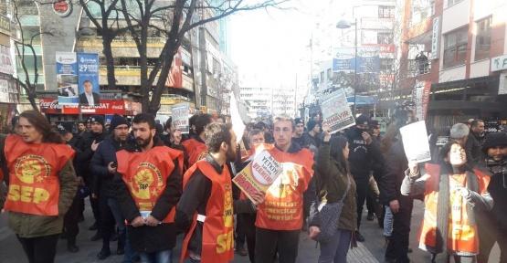 Başkent'te izinsiz broşür dağıtan gruba müdahale: 10 gözaltı