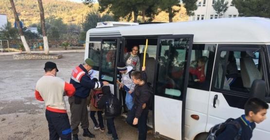Bodrum'da jandarma ekipleri okul taşıtlarını denetlendi
