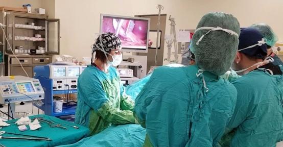 Bölgenin ilk bölgesel anestezili safra kesesi ameliyatı Tatvan'da gerçekleştirildi