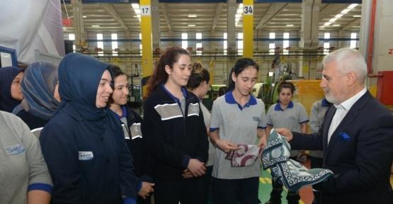 Bozbey 8 Mart'ta kadınların yanındaydı