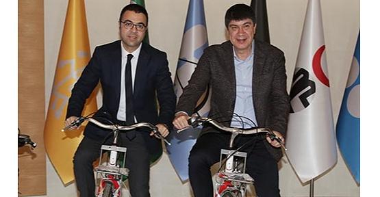 Büyükşehir Belediye Başkanı Menderes Türel'den  'Bisiklet Yolu Master Planı' Müjdesi