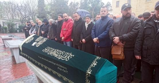 Camideki tente faciasında ağır yaralanan öğretmen, hayatını kaybetti