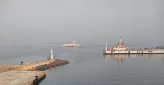 Çanakkale'de yoğun sis deniz ulaşımını etkiledi