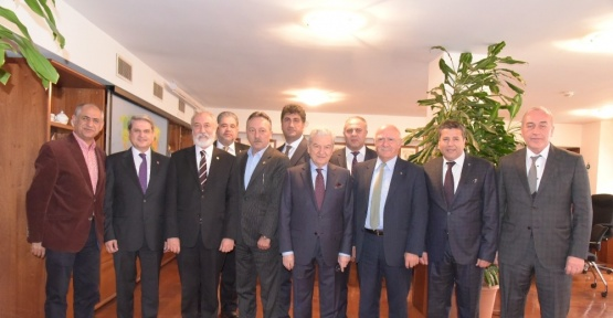 CHP'li milletvekillerinden İZTO'ya ziyaret