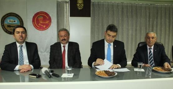 CHP'li Umut Oran 'hayır' turu için Malatya'da