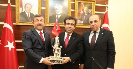 Darıca protokolü, Vali Güzeloğlu'nu ziyaret etti