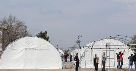 Deprem bölgesine çadır derslikler kuruldu