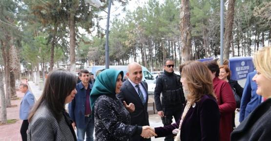 Dışişleri çalışanlarının eşlerinden Kilis'e ziyaret
