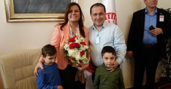 Divan katibi Hürriyet'e hayırlı olsun ziyaretleri başladı