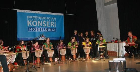 Down sendromlu ve otizmli gençlerden muhteşem konser
