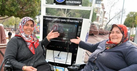 Engelli araçlarına ücretsiz şarj istasyonu