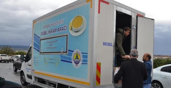 Erdemli'de su baskınlarına belediye ekipleri anında müdahale etti