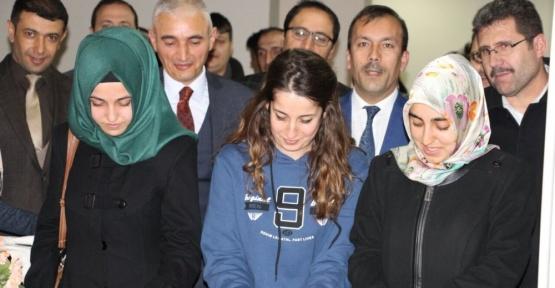 """Erzincan'da """"Bağımlı Olma Özgür Ol"""" fotoğraf sergisi düzenlendi"""