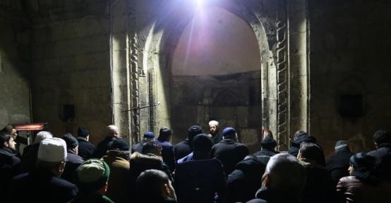 Erzurumlular Kurtuluş Günü'nde sabah namazında buluştu