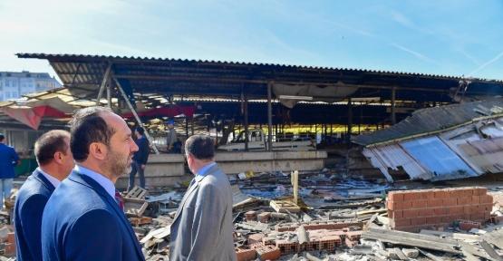 Eski pazar yeri yıkılıyor