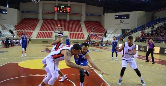 Eskişehir Basket kıl payı kazandı