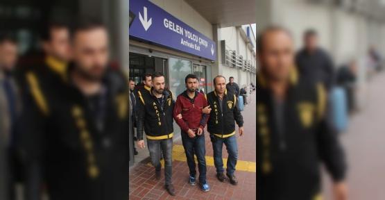 Ev hapsi cezası verilen Suriyeli cinayet zanlısı Avrupa'ya kaçmak isterken yakalandı